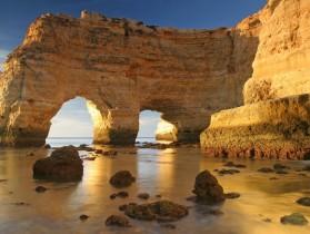 shutterstock_9250390_Algarve-beach-1024x682