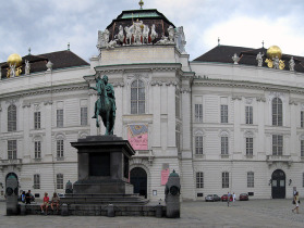 plaza_viena_exterior_palacios